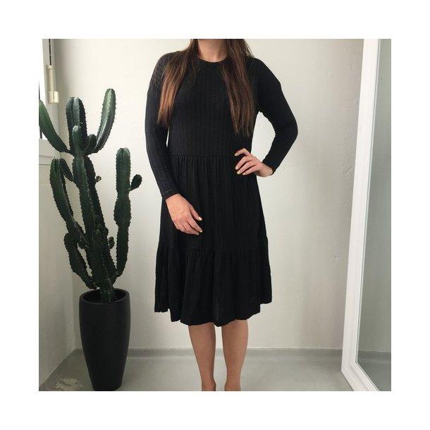 SisterS Point Vini Dress - Black